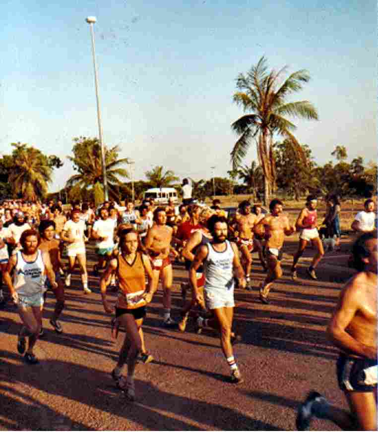 Runners running the City to Surf
